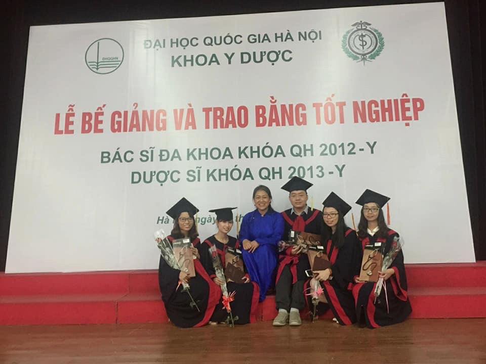 Graduated Helvietmed Students at the VNU-SMP 2018